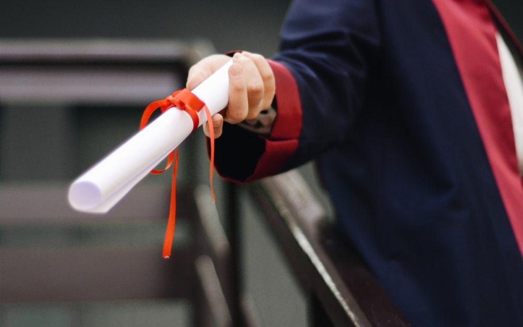 Faux diplôme : Les dangers de se procurer un faux diplôme