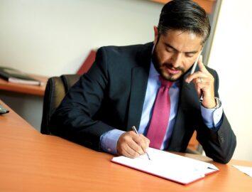 Pourquoi engager un avocat d'affaires en vaut la peine