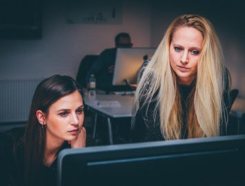 Comment les avocats spécialisés en droit du travail peuvent aider à lutter contre l'absentéisme de longue durée ?