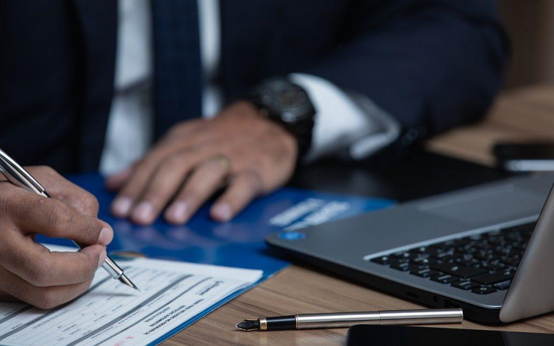 Mettre les avocats en contact avec les clients : 3 aspects du marketing juridique en ligne
