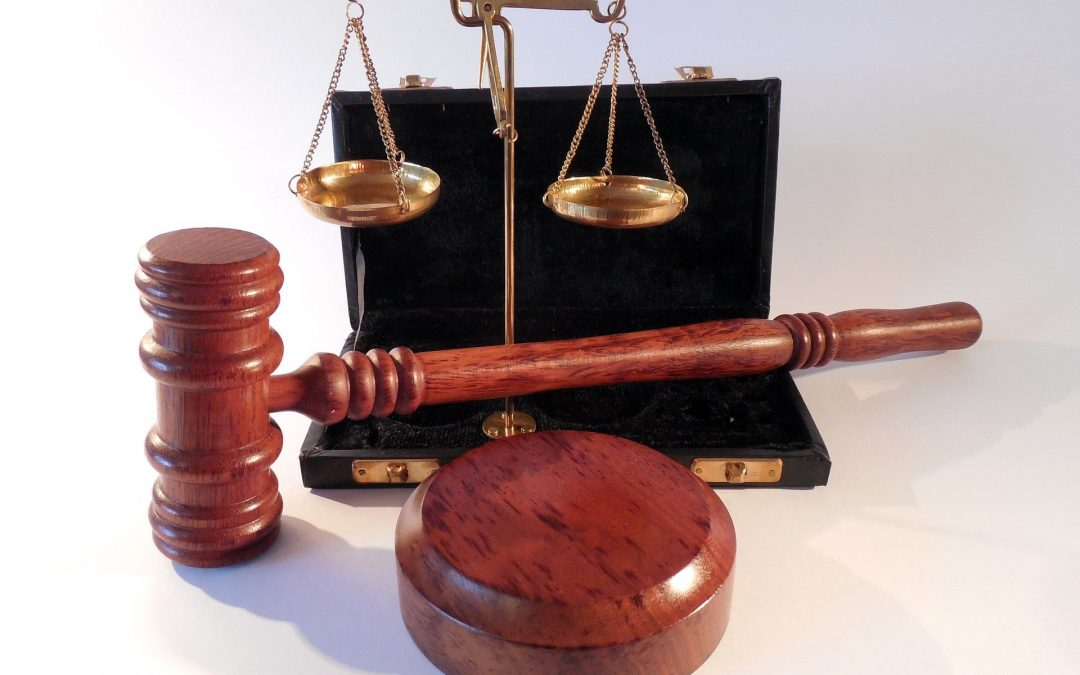 Quelle est la différence entre un avocat et un notaire ?