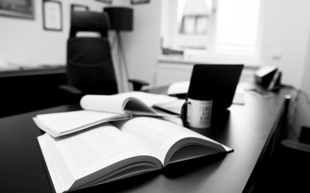 Comment les cabinets juridiques veulent que vous choisissiez un nouveau cabinet et comment vous devriez le faire