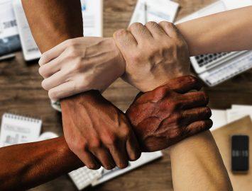 Programme de sensibilisation aux questions juridiques – Les services juridiques d'entreprise donnent en retour
